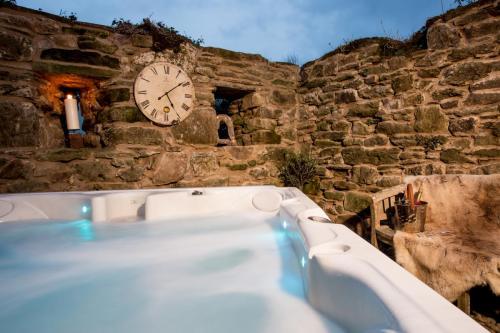 GPTS - Hot Tub (72)-26